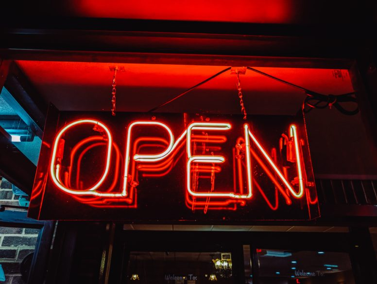 """Neon """"Open""""-Sign"""